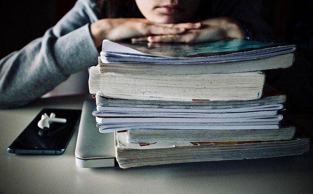受験生が高校の定期テストを捨てるデメリット
